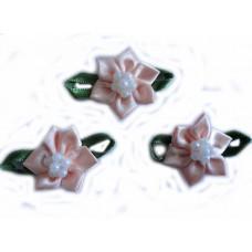 Цветочек с бусинками, персиковый (TM-00017)