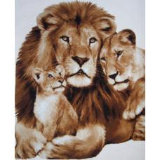 Папа, мама и львёнок (К-008)