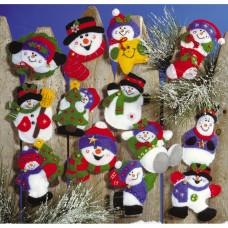 Набор для создания елочных украшений из фетра Снеговики, 13шт (DW5352)
