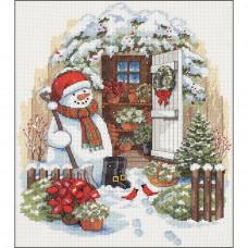 Снеговик в саду (8817)