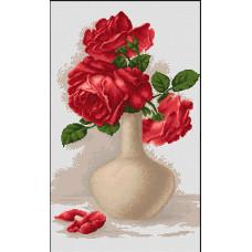 Красные розы в вазе (B506)