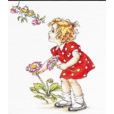 Девочка в красном платье (B1050)