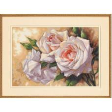 Набор для вышивания крестом Dimensions Белые розы (35247)