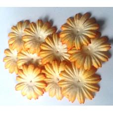 Бумажные цветы оранжево-белые (P70-8)