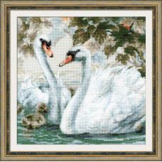 Набор для вышивания крестом Риолис Белые лебеди (1726)