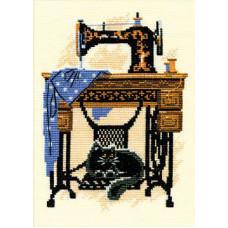 Набор для вышивания крестом Риолис Кошка со швейной машинкой (857)