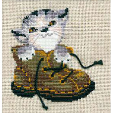 Котёнок в ботинке (670)