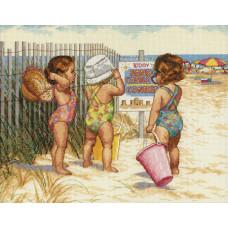 Малышки на пляже (35216)