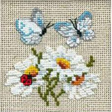 Набор для вышивания крестом Риолис Ромашки с бабочками (757)