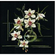 Белая орхидея (941)
