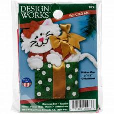 Набор для пошива игрушки Design Works Котик-подарок (DW583)